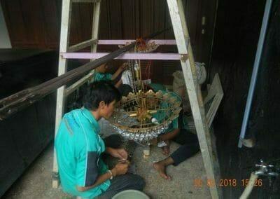 cuci-lampu-kristal-ibu-ning-19