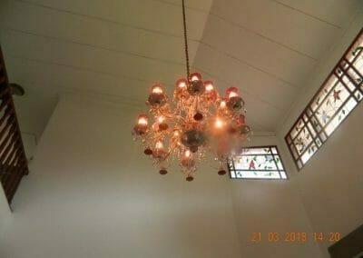 cuci-lampu-kristal-ibu-s-s-02