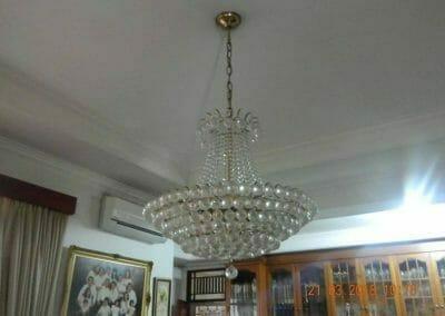 cuci-lampu-kristal-ibu-s-s-06