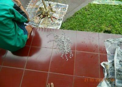 cuci-lampu-kristal-ibu-s-s-34