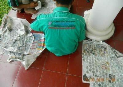 cuci-lampu-kristal-ibu-s-s-36