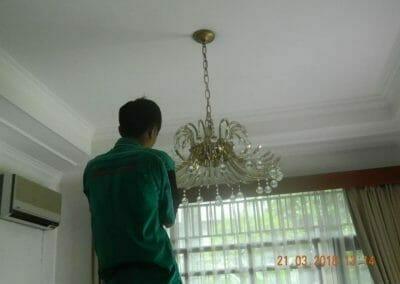 cuci-lampu-kristal-ibu-s-s-45