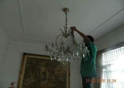 cuci-lampu-kristal-ibu-s-s-66
