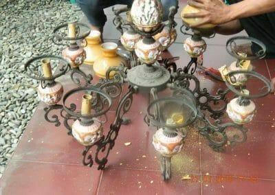cuci-lampu-kristal-ibu-s-s-72