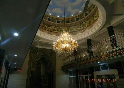 cuci-lampu-kristal-masjid-at-taqwa-01