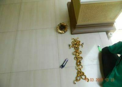 cuci-lampu-kristal-masjid-at-taqwa-07