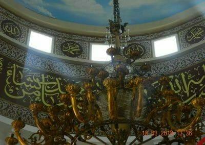 cuci-lampu-kristal-masjid-at-taqwa-15