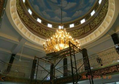 cuci-lampu-kristal-masjid-at-taqwa-30