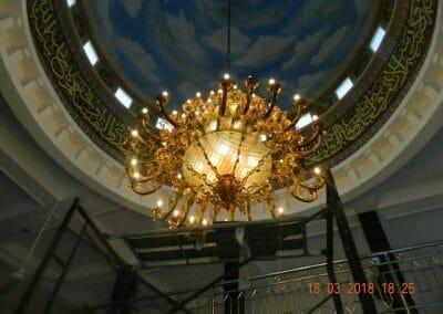 cuci-lampu-kristal-masjid-at-taqwa-31