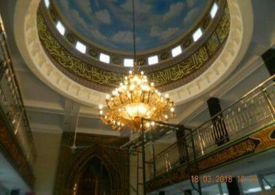 cuci-lampu-kristal-masjid-at-taqwa-32