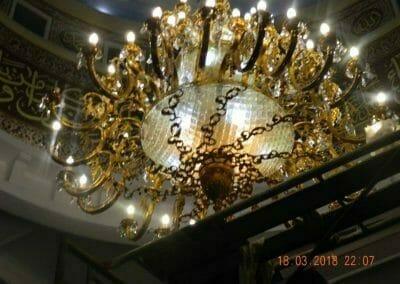 cuci-lampu-kristal-masjid-at-taqwa-33