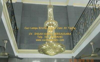 Cuci Lampu Kristal Masjid Jami At Taufiq Jalan Tipar Cakung