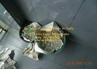 cuci-lampu-kristal-masjid-jami-at-taufiq-31