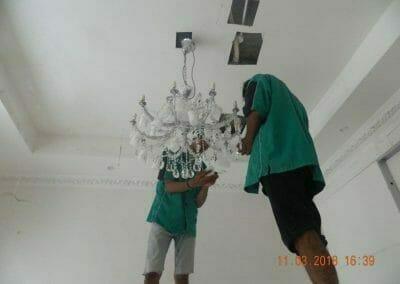 pasang-lampu-kristal-bapak-danny-18