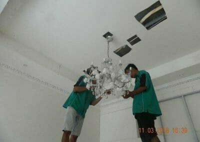 pasang-lampu-kristal-bapak-danny-19
