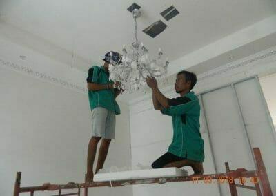 pasang-lampu-kristal-bapak-danny-20