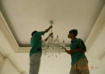 pasang-lampu-kristal-bapak-danny-23