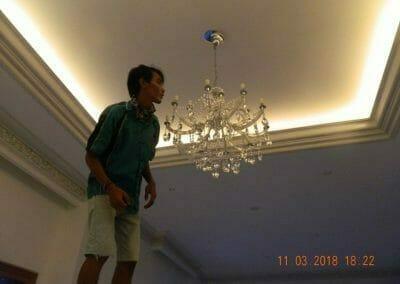 pasang-lampu-kristal-bapak-danny-25