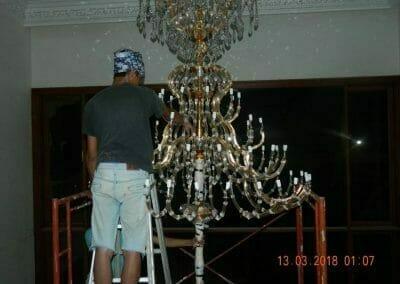 pasang-lampu-kristal-bapak-danny-42
