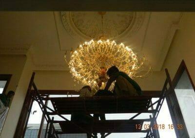 pasang-lampu-kristal-bapak-danny-54