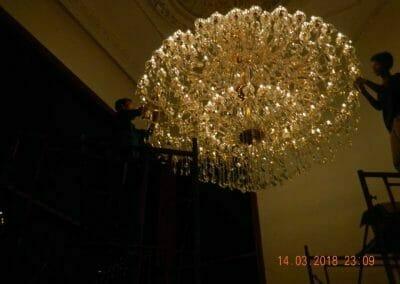 pasang-lampu-kristal-bapak-danny-64