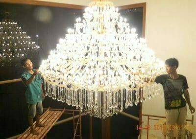 pasang-lampu-kristal-bapak-danny-66