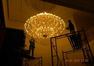 pasang-lampu-kristal-bapak-danny-68