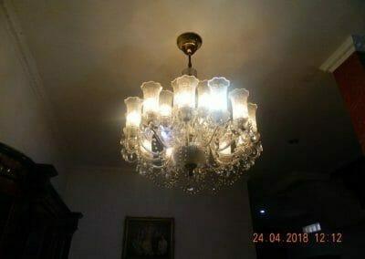 cuci-lampu-kristal-ibu-cici-01