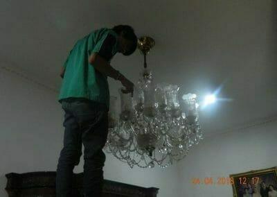 cuci-lampu-kristal-ibu-cici-04
