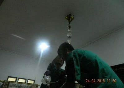 cuci-lampu-kristal-ibu-cici-13