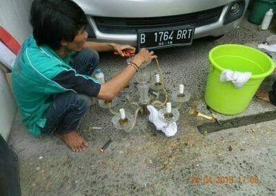 cuci-lampu-kristal-ibu-cici-33