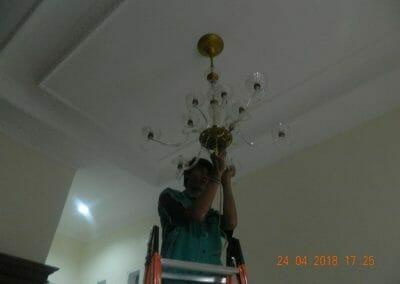 cuci-lampu-kristal-ibu-cici-34