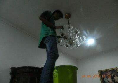cuci-lampu-kristal-ibu-cici-37
