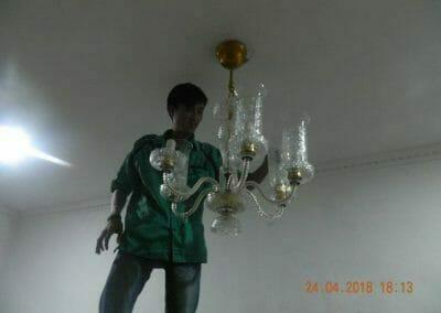 cuci-lampu-kristal-ibu-cici-39