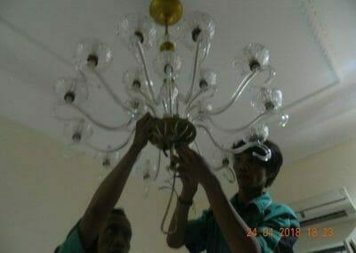 cuci-lampu-kristal-ibu-cici-40