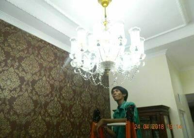 cuci-lampu-kristal-ibu-cici-42