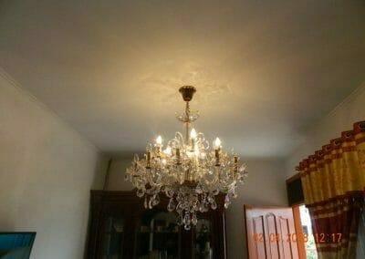 cuci-lampu-kristal-ibu-suningsih-01
