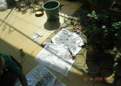 cuci-lampu-kristal-ibu-suningsih-24
