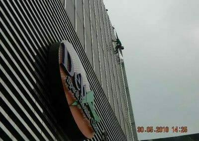cuci-kaca-gedung-delta-spa-09