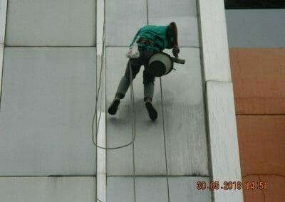 cuci-kaca-gedung-delta-spa-21