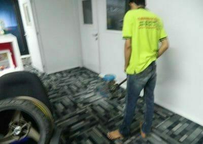 cuci-karpet-kantor-pt-modagrafics-auto-indonesia-05
