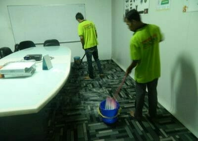 cuci-karpet-kantor-pt-modagrafics-auto-indonesia-06