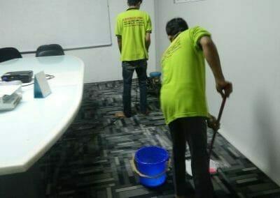 cuci-karpet-kantor-pt-modagrafics-auto-indonesia-07