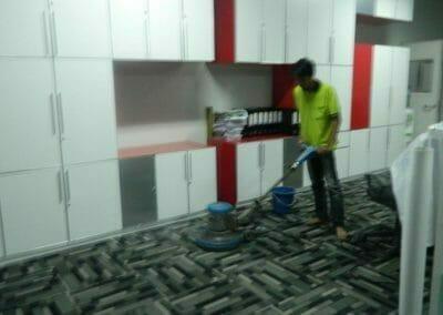 cuci-karpet-kantor-pt-modagrafics-auto-indonesia-08