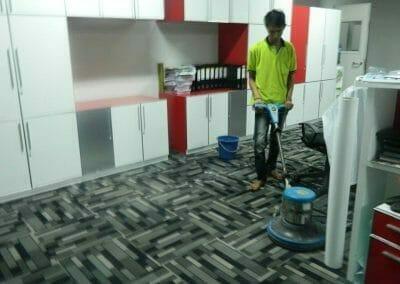 cuci-karpet-kantor-pt-modagrafics-auto-indonesia-09