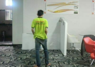cuci-karpet-kantor-pt-modagrafics-auto-indonesia-10