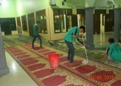 cuci-karpet-masjid-ar-rohmah-14