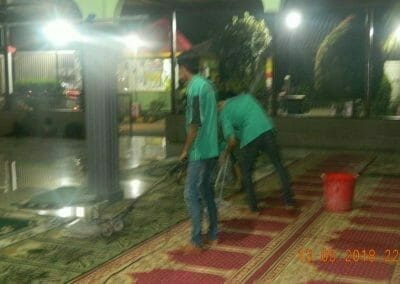 cuci-karpet-masjid-ar-rohmah-15