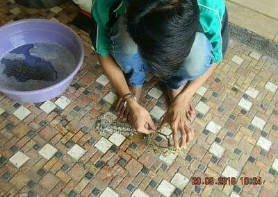 cuci-lampu-kristal-ibu-ade-02