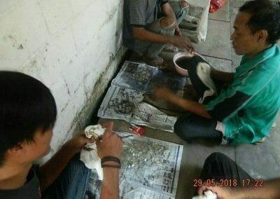 cuci-lampu-kristal-ibu-ade-08